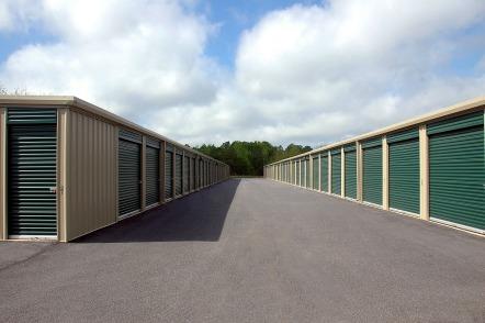 storage-warehouse-1553550_1920